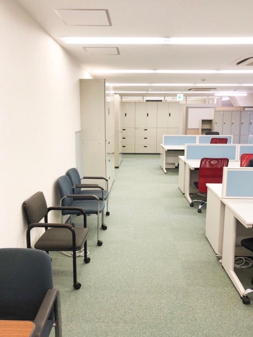【居抜き】東京・八重洲エリアの約40坪。<br>受付、会議室×2。オフィス家具も譲渡!