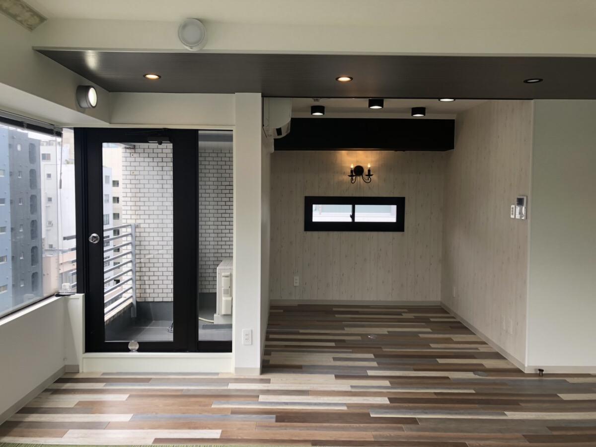 【デザイナーズ】表参道、約13坪。 ビル内会議室ありのおしゃれ内装オフィス