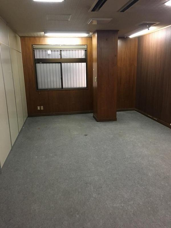 【居抜き】淀川区十三エリア!<br>天井の高い1階と4区画ある2階のセット♪