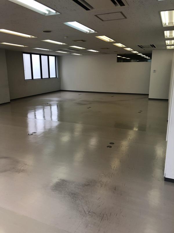 【居抜き】丸の内エリア、約85坪。<br>室内倉庫付きのおしゃれオフィス。