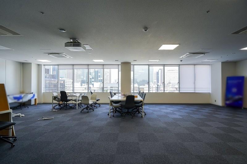 【居抜き】新橋、約100坪。ハイグレード!<br>執務・会議室・フリースペースの贅沢空間