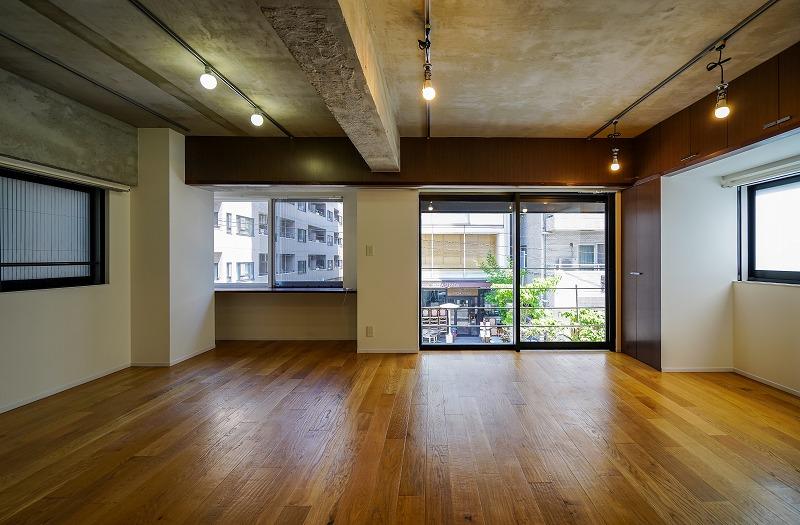 【デザイナーズ】麻布十番、約10坪。 使いやすい間取りのフローリングオフィス