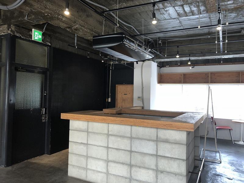 【居抜きオフィス】伏見エリア、約20坪。 コンクリートむき出しの男前オフィス!