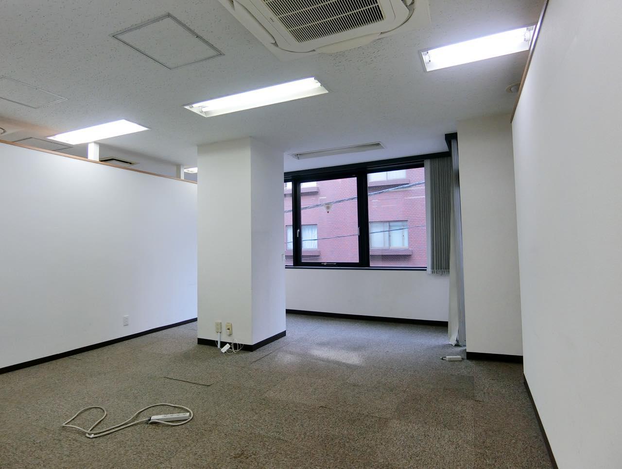 【居抜き】麹町、約40坪。駅チカ。<br>自由度の高い4部屋の造作付きオフィス