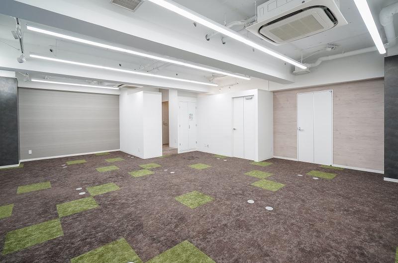 【居抜き】東日本橋、約20坪。 会議室と男女別トイレ付コンパクト物件