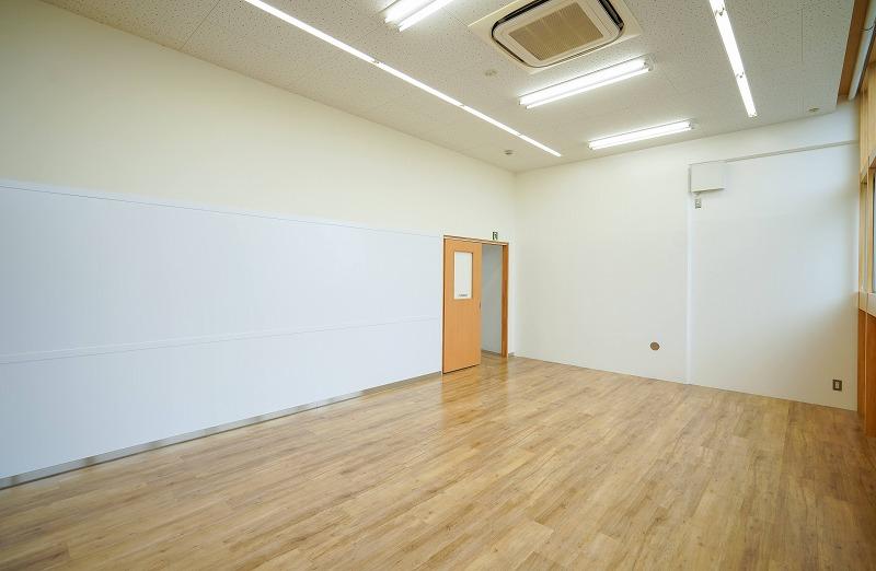 【一棟貸】自由が丘、約100坪。好立地。<br>教室・スクールに最適 視認性良好な3階建