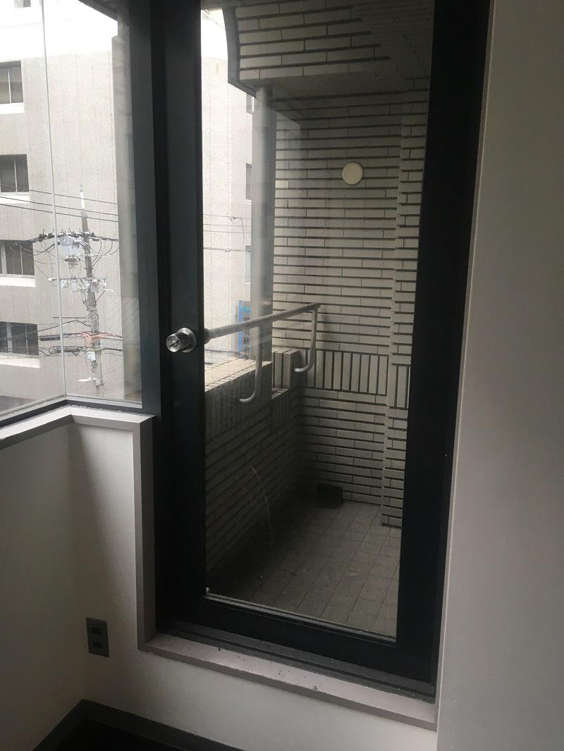 【居抜き】堺筋本町、10~15坪。<br>オフィスのほか鍼灸院や整骨院などにも