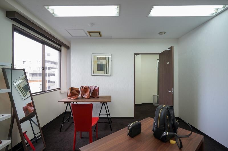 【居抜き】高田馬場、約40坪。美麗ビル。<br>しっかりとしたエントランスと会議室付き