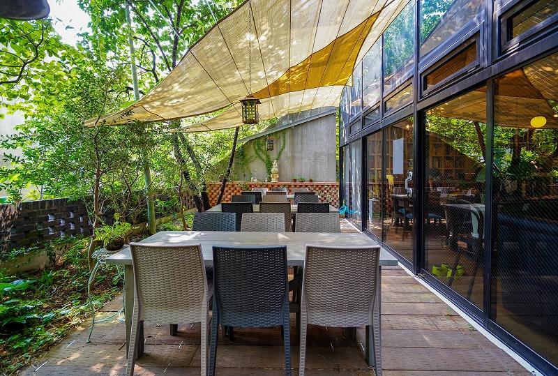 【居抜き】御茶ノ水、約35坪。テラス付き<br>地下のカフェにも癒される静かなオフィス