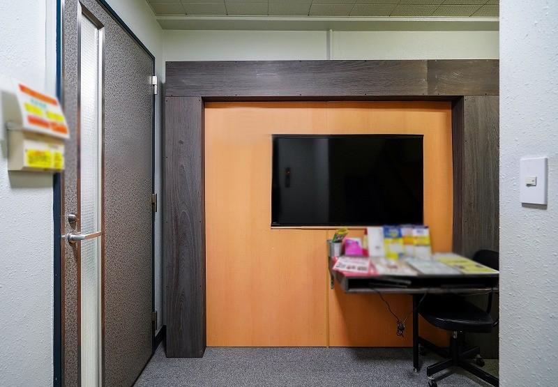 【居抜き】新日本橋~三越前、約35坪。 空調設置の個室が多数、業種相談OK