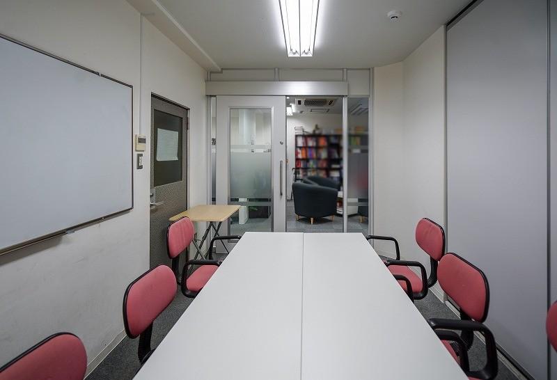 【居抜き】新日本橋~三越前、約35坪。<br>空調設置の個室が多数、業種相談OK
