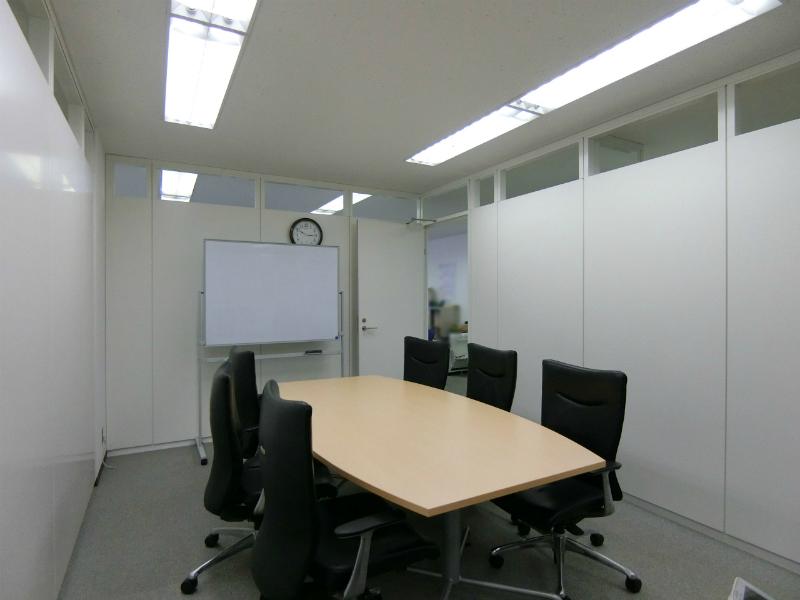 【居抜き】田町、約60坪。港区アドレス 執務室・会議室×2・フリースペースあり