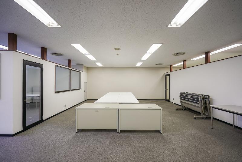 【居抜き】新大塚、約70坪。春日通り沿い。<br>会議室×2、部署ごとのスペース分けも可能