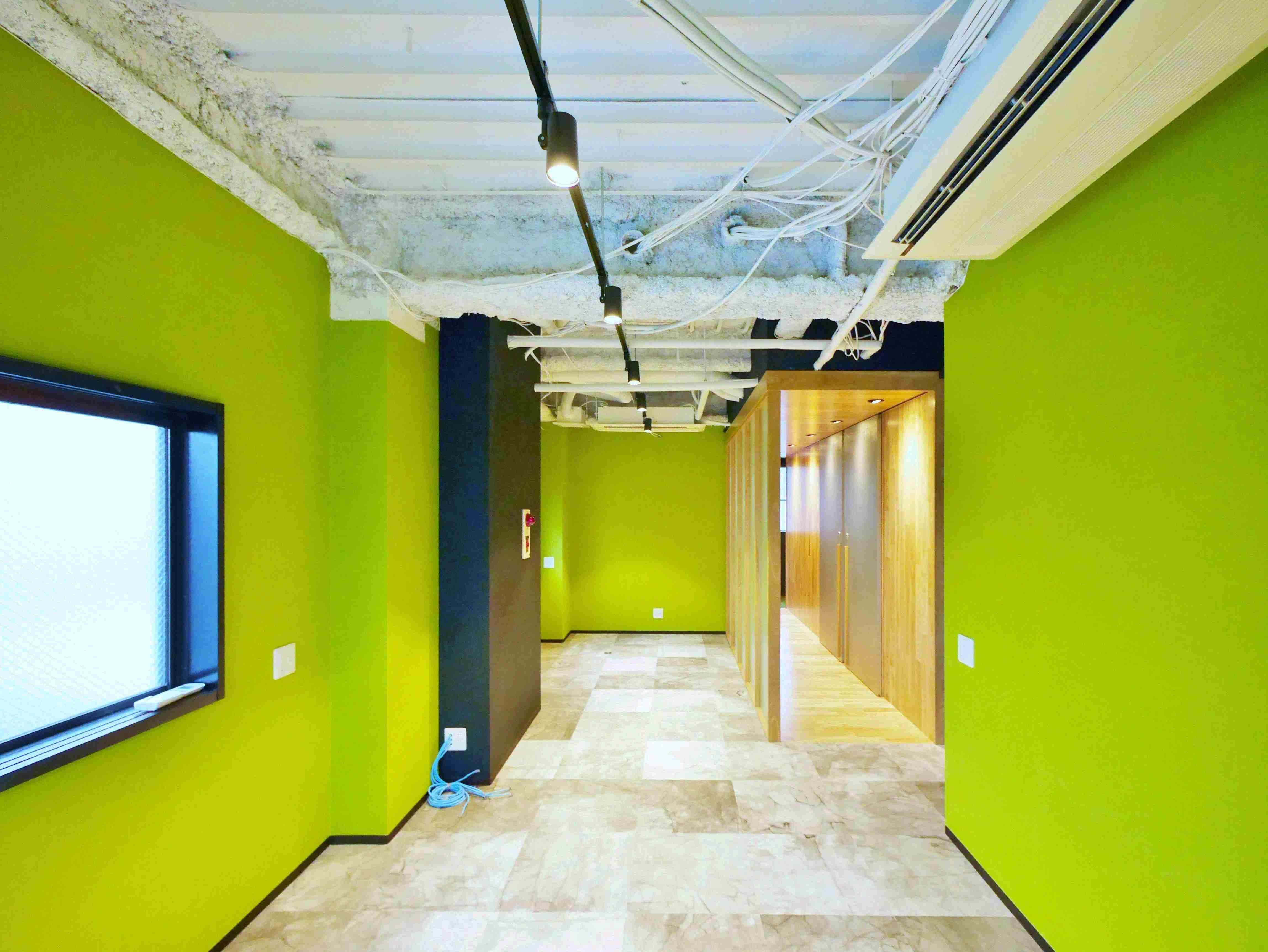 【デザイナーズ】築地、約14坪。<br>温かみある木のデザイン。シャワー付き。