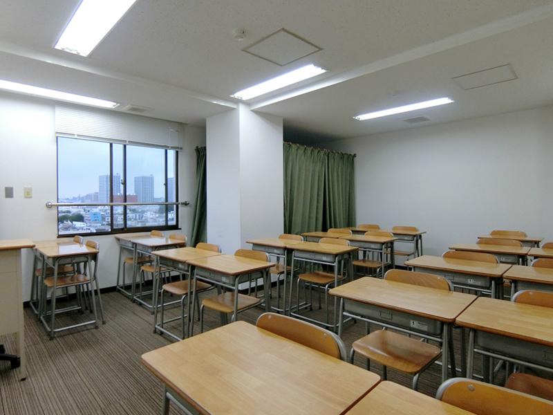 【居抜き】東新宿~西早稲田、約80坪。<br>スクールや語学学校に最適な大通り沿い物件