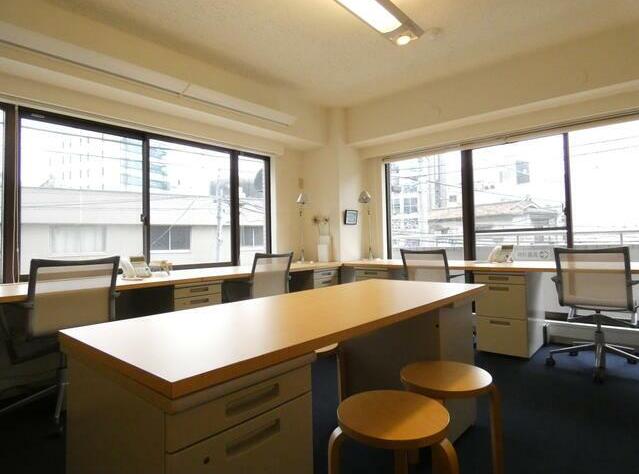 【家具・内装付き】渋谷、約10坪。<br>4~6名のスタートアップ企業向けオフィス