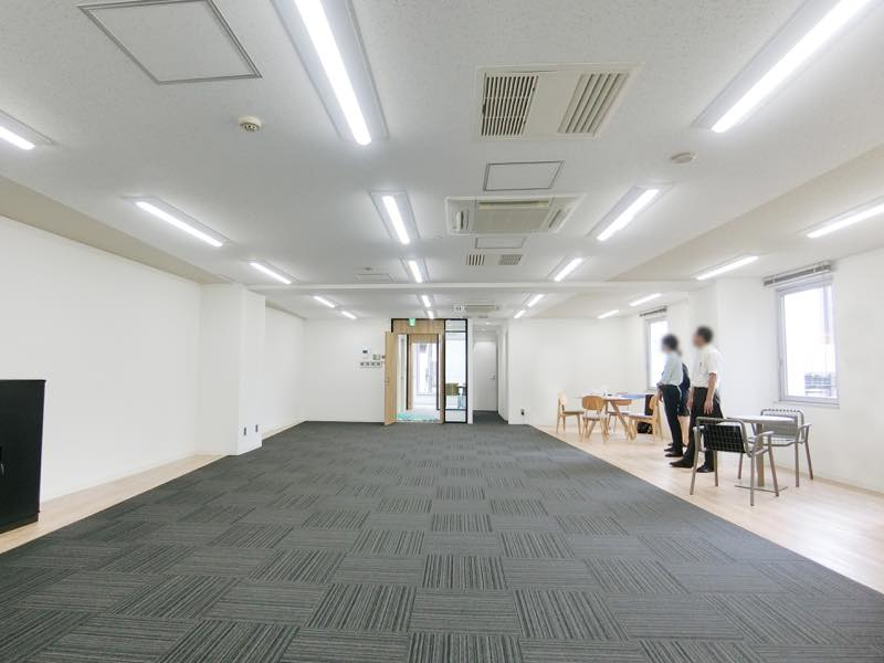 【家具・内装付き】竹橋~神保町、約40坪。<br>受付・会議室・休憩スペース付きリノベ物件