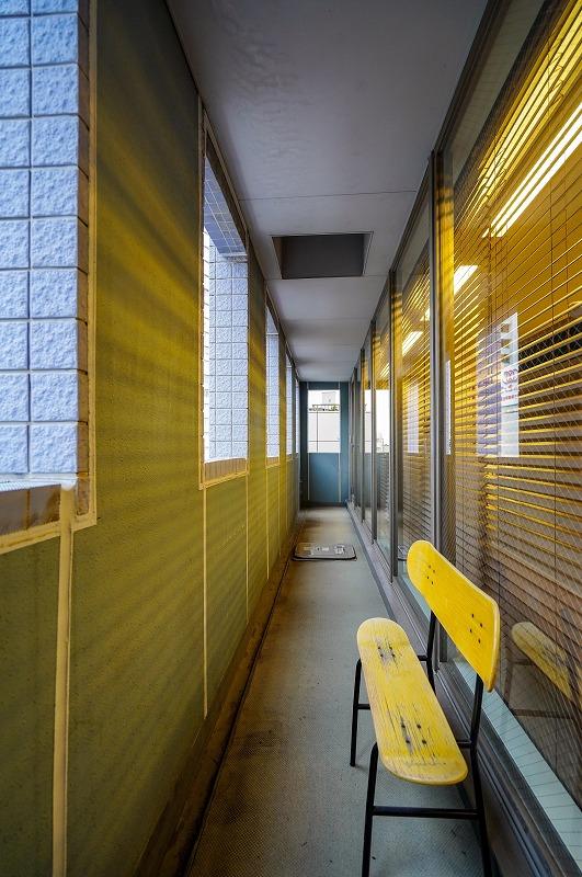 【居抜き】池袋、約30坪。駅近。<br>レンガ調の受付と会議室の造作あり