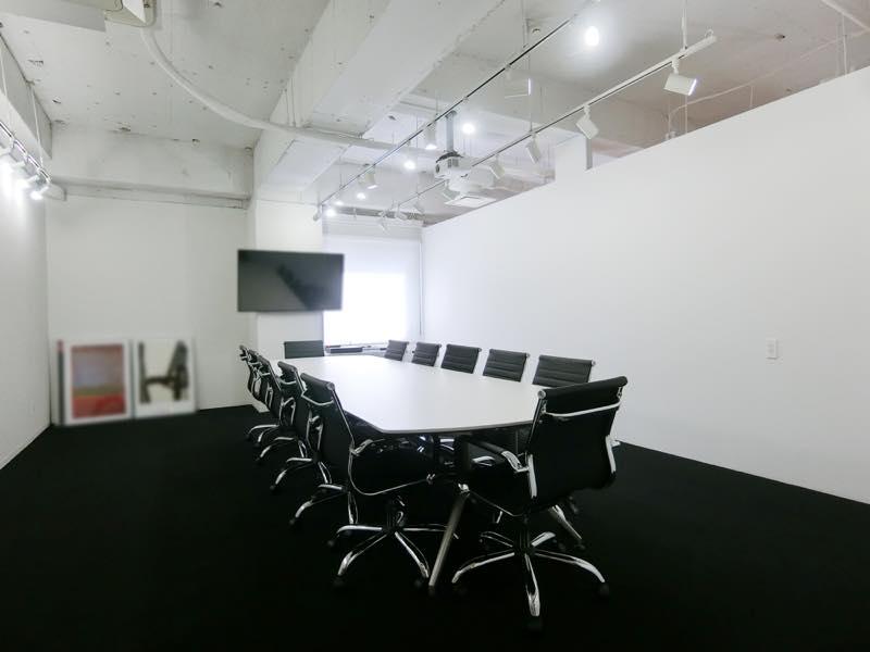【居抜き】麹町、約60坪。おすすめ。<br>大会議室と社長室付きの約30名用オフィス