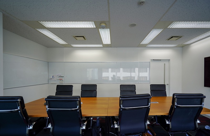 【居抜き】茅場町、約120坪。駅近。<br>会議室×2とイベントスペース付きオフィス