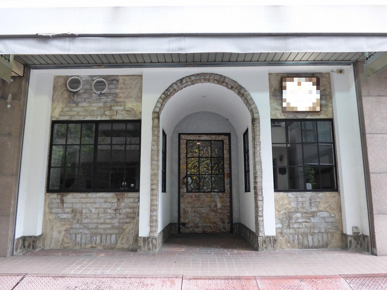 【居抜き】南森町、約35坪。路面。<br>欧風レンガ調のカフェレストラン