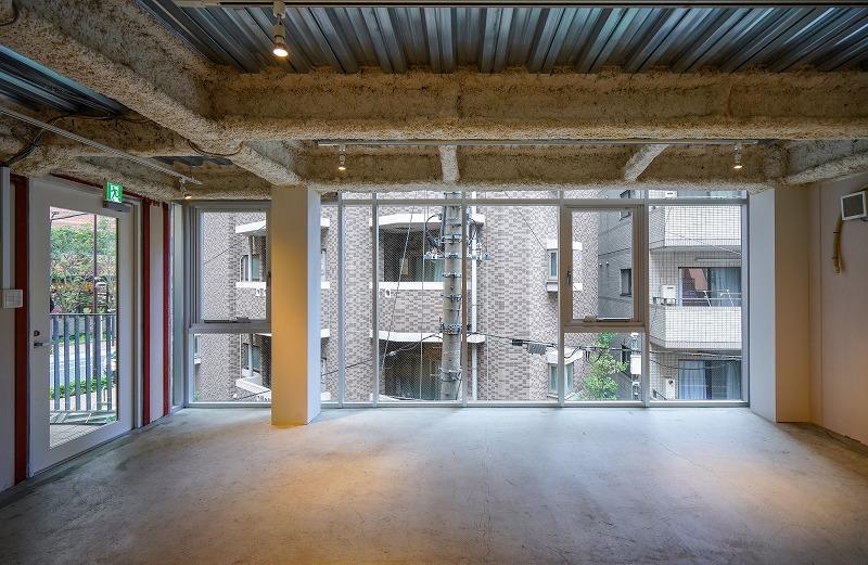 【デザイナーズ】池尻大橋、約20坪。<br>窓面大、お手洗い・給湯ありのスケルトン