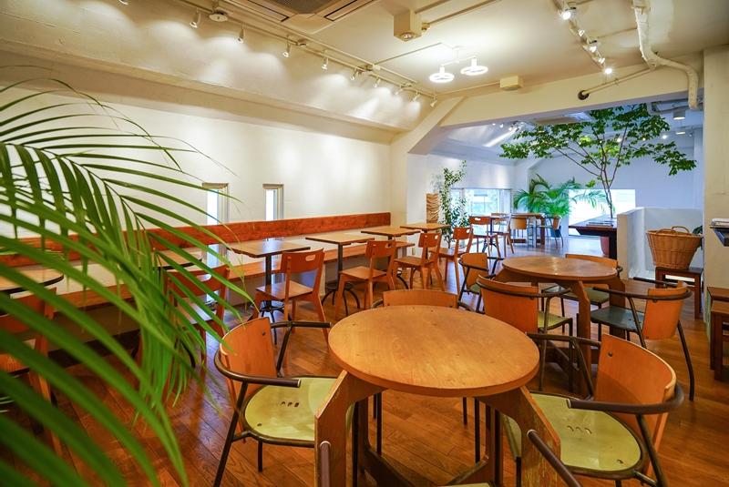 【居抜き】明治神宮前・原宿、約30坪。<br>個性的な外観の1F-2Fセット店舗物件