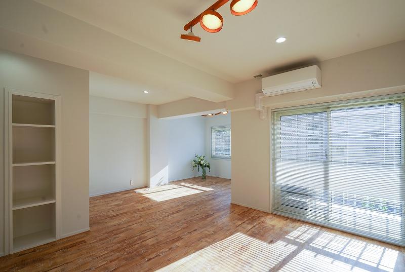 【デザイナーズ】外苑前・表参道、約10坪。<br>白い壁・天井×フローリングのナチュラル感