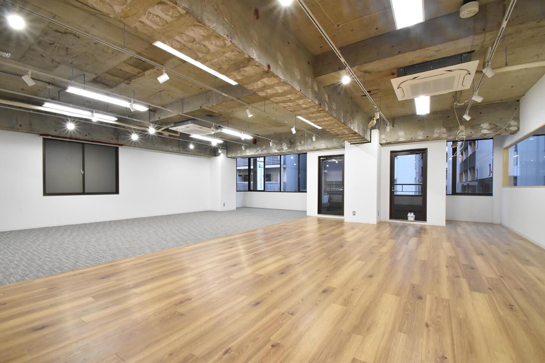 【内装付き】岩本町、約40坪。 会議室×2のグッドデザインオフィス