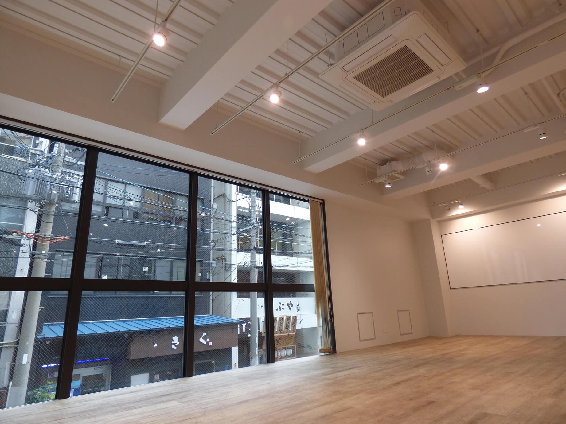 【内装付き/一棟貸】堺筋本町、約120坪。 キッチン・会議スペース・ビル命名権付き。