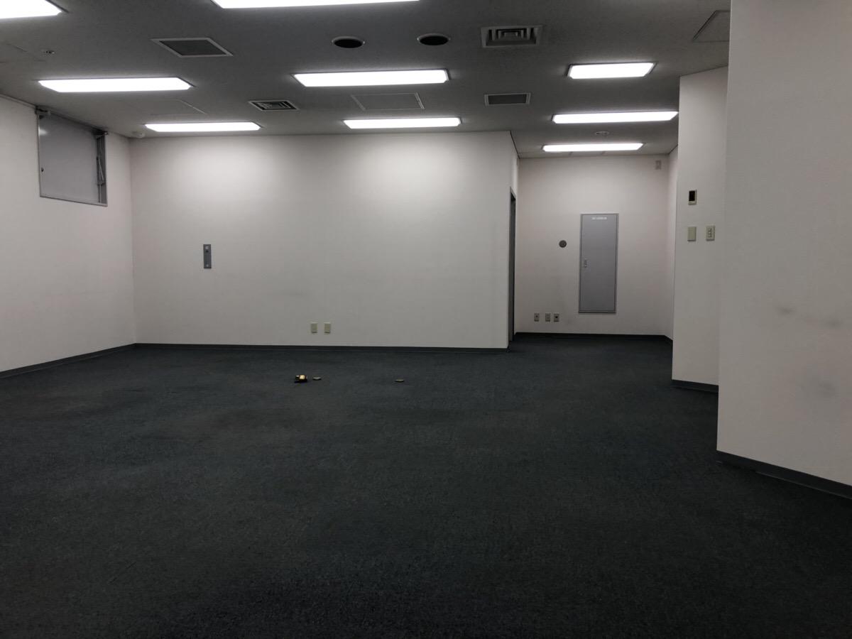 【居抜き】なんば、約40坪。駅近。<br>窓付き会議室×2がある好立地オフィス