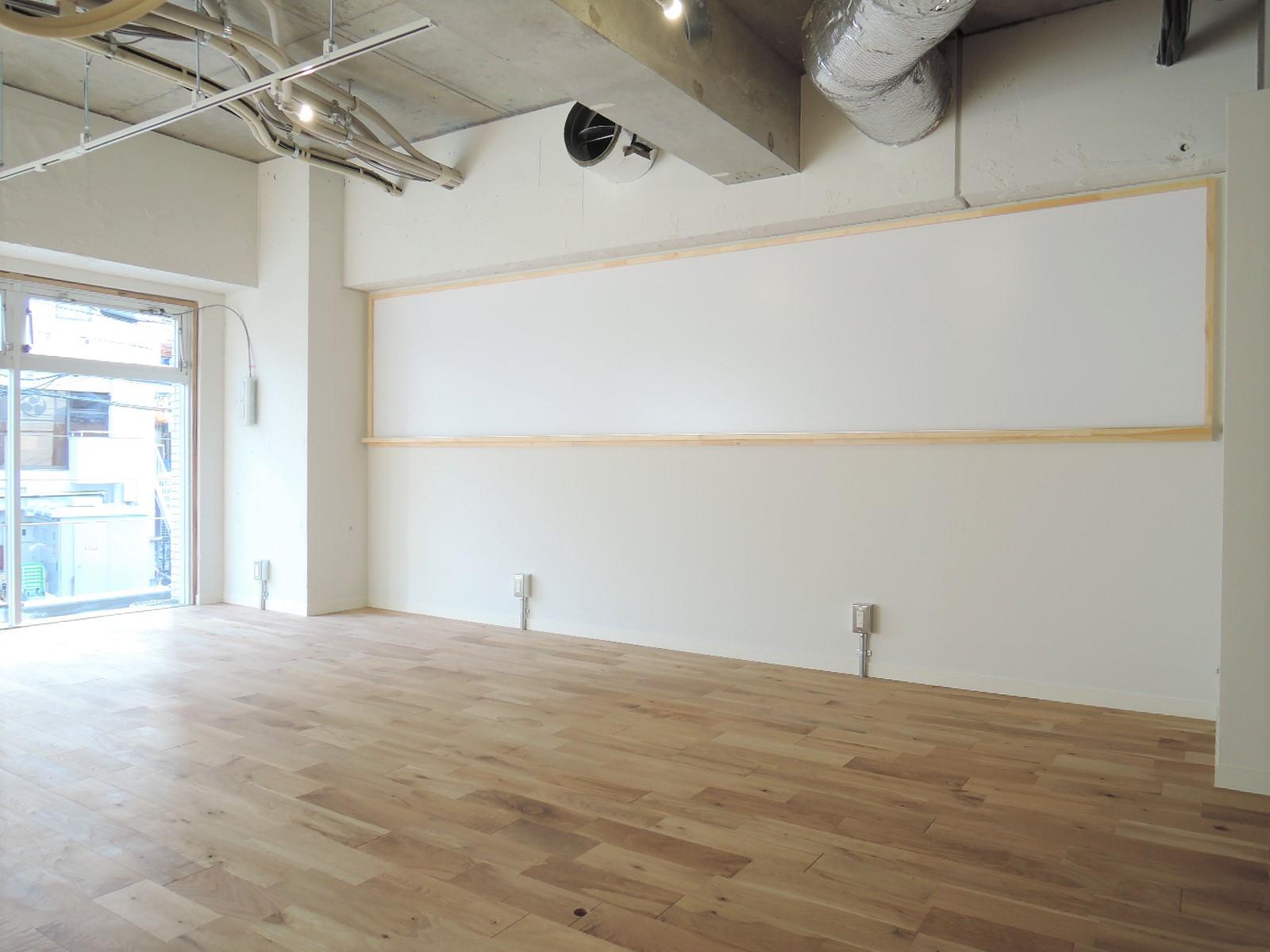 【デザイナーズ】駒沢大学、約17坪。希少。<br>スケルトン天井にナチュラルな内装をプラス