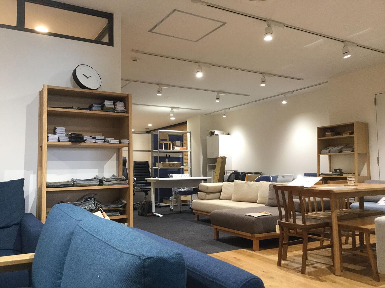 【居抜き】浜松町、30~40坪。 4名用会議室×2付きで家具譲渡も相談OK