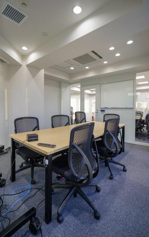 【居抜き】六本木、約40坪。<br>見晴らしの良いバルコニー付きオフィス
