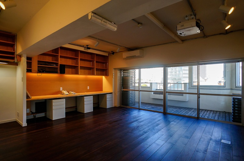 【居抜き】原宿駅、約20坪。 豪華シアタールーム&キッチン付きオフィス