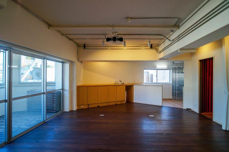 【居抜き】原宿駅、約20坪。<br>豪華シアタールーム&キッチン付きオフィス<br>