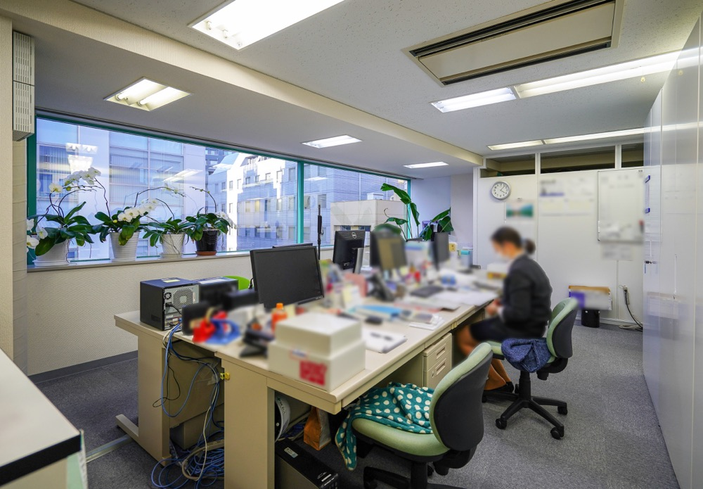 【居抜き】水道橋、約50坪。<br>落ち着いた会議室付きオフィス。