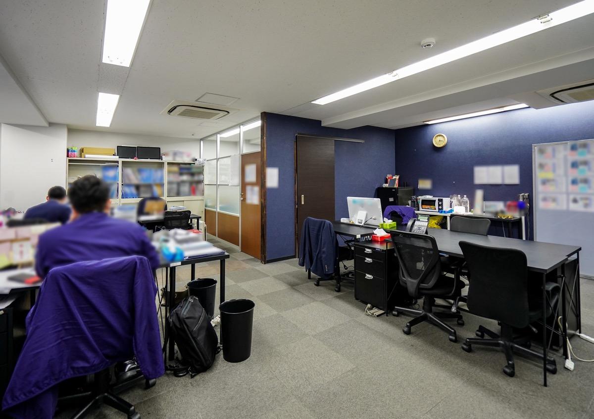 【居抜き】新橋、約40坪。<br>クラシックな雰囲気のオフィス。
