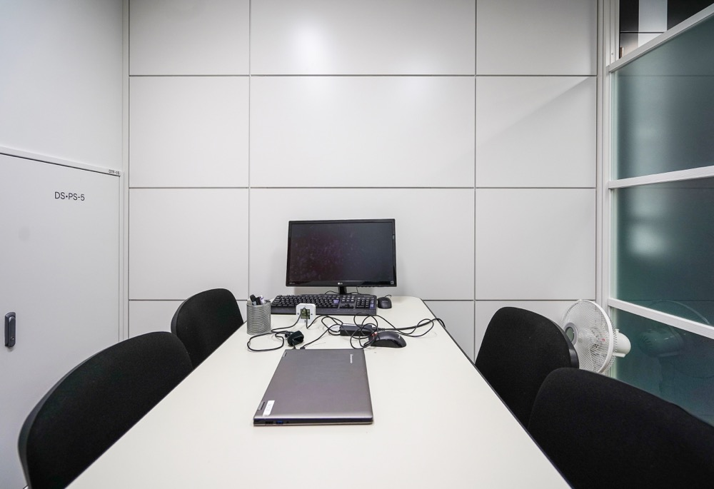【居抜き】虎ノ門、約70〜80坪。<br>再開発エリアのスタイリッシュ居抜きオフィス!