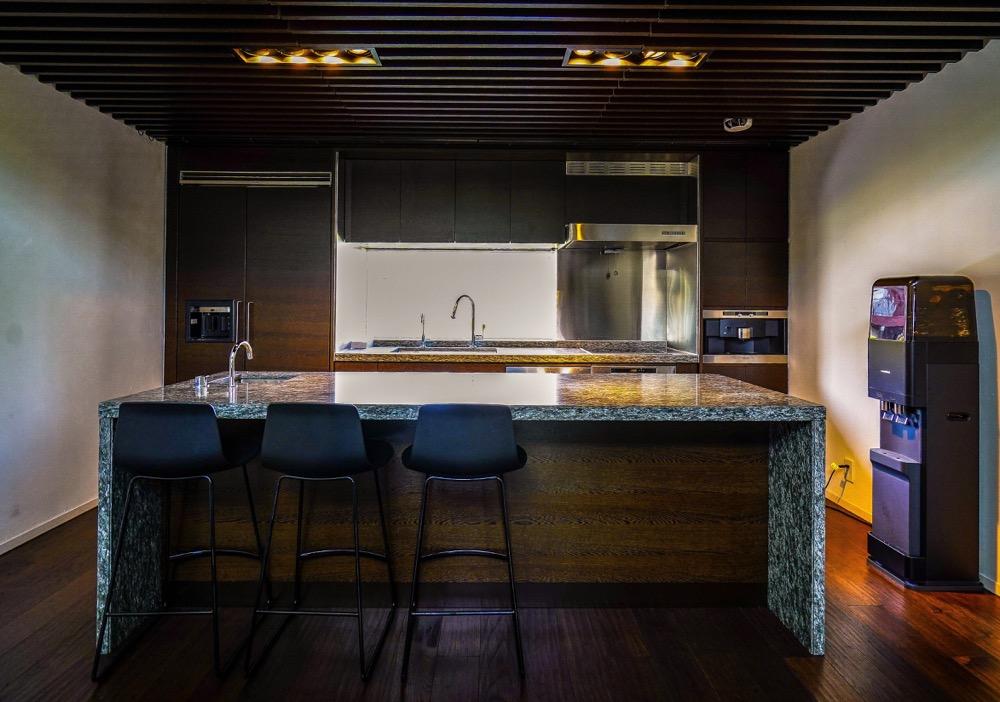 【居抜き】半蔵門駅、約30坪<br>高級感のあるデザイナーズ居抜きオフィス
