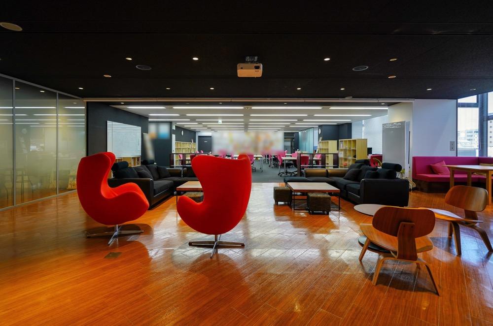 【居抜きご相談】台東区 約100坪 複数の個室とセミナーや執務スペースとして使える大空間が共存