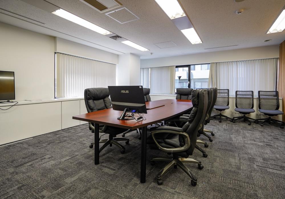 【居抜き】高田馬場、約200坪。 フレキシブルな対応が可能。新たな価値を創造するオフィス。