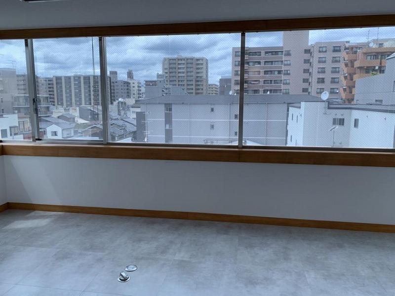 【居抜き】京都、約40坪。<br>シンプルで使いやすい会議室付オフィス!