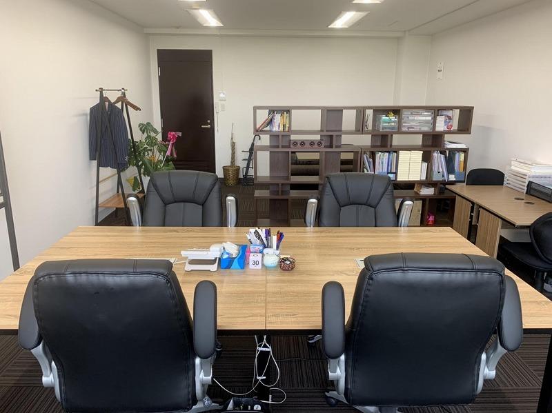 【居抜き】西中島、約10坪 家具付きオフィス、眺望良し!