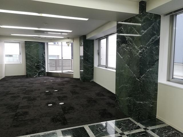 【居抜き】銀座エリア、約50坪  綺麗で落ち着いた造作付き居抜きオフィス