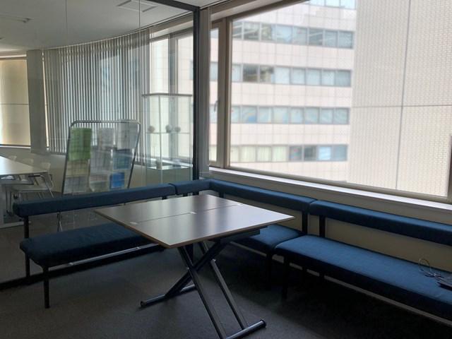 【居抜き】神田・秋葉原エリア、約30坪。 おしゃれなガラス張りパーテンション付き!居抜きオフィス