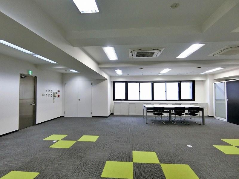 【居抜き】市ヶ谷・九段下エリア 約60坪 什器付きシンプルな居抜きオフィス