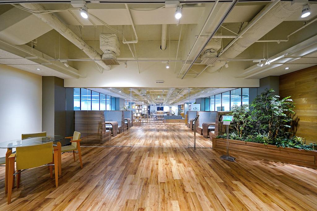 【居抜き】コミュニケーションを生み、発想力を刺激するオフィス空間。