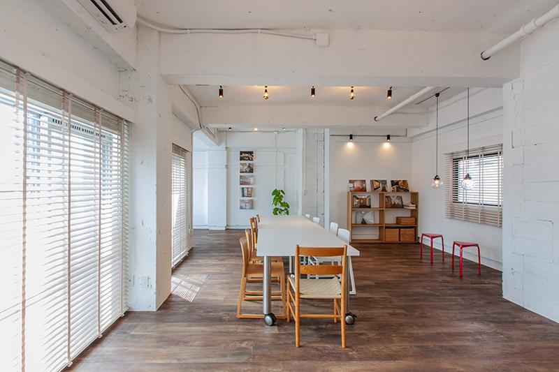 【デザイナーズ】外苑前・表参道、約10坪 白い壁・天井×フローリングのナチュラル感