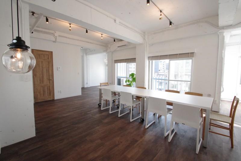 【デザイナーズ】外苑前・表参道、約20坪 白い壁・天井×フローリングのナチュラル感